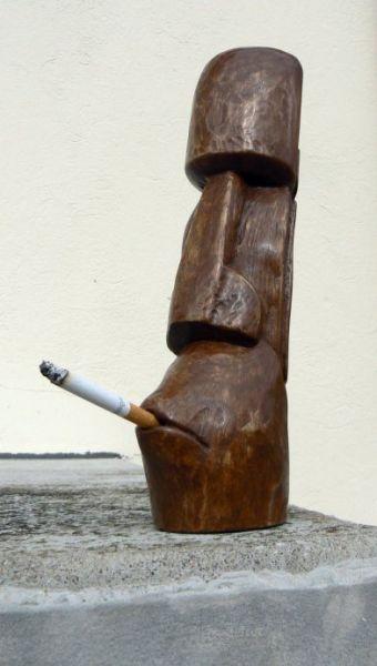 Moai smokes