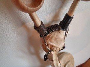 detail-coiffe-300x224 baton de marche sculpté