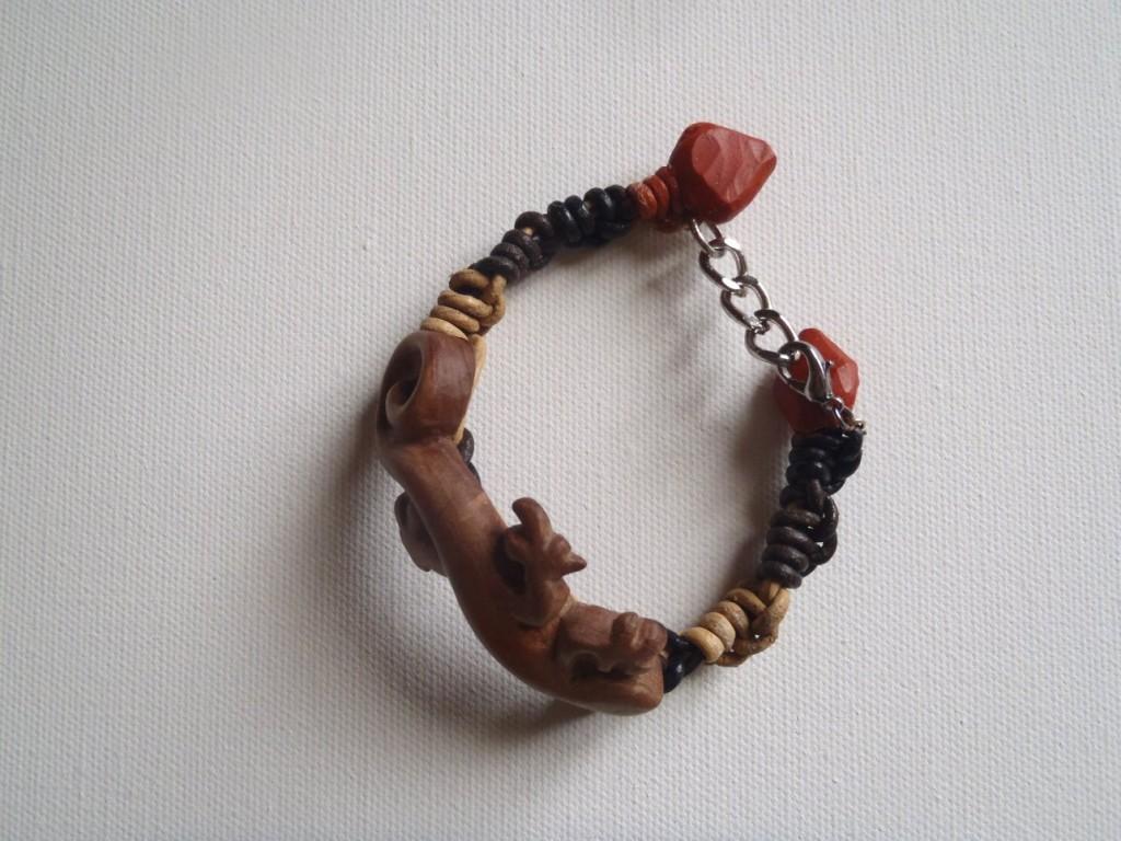 margouillat-olivier1 bracelet bois sculpté
