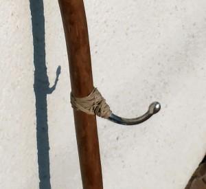 baton1-3-300x275 baton de marche sculpté